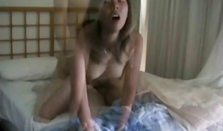 Inggris milf menggoda porn indo new seorang pria muda kemudian Fucks dia