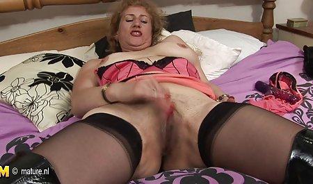 Rambut pirang dan garut porn brunette berbagi kontol